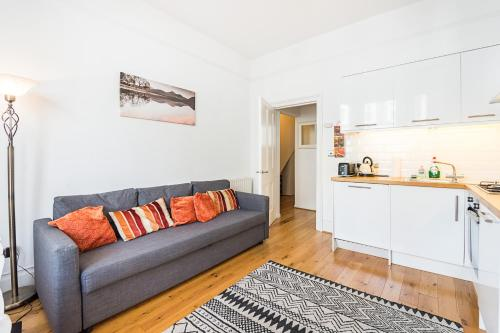 1 Bedroom Apartment Hammersmith CENTRAL LONDON-SK, London