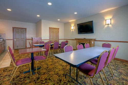 Country Inn & Suites By Carlson Forest Lake Photo