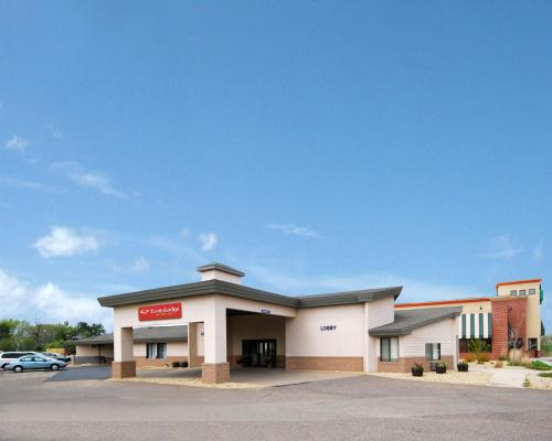 Econo Lodge Inn & Suites Menomonie