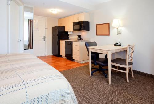 Candlewood Suites Wilson Photo