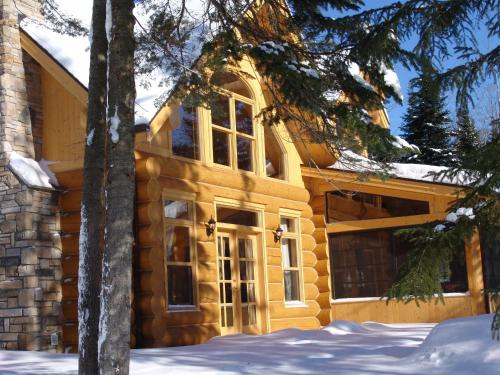 Fiddler Lake Resort Photo