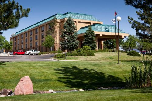 Hampton Inn Colorado Springs Central Air Force Academy Photo