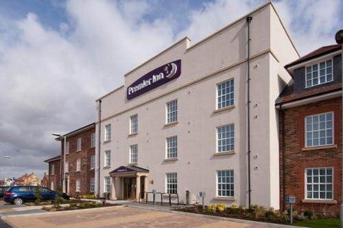 Premier Inn Bedford South (A421)