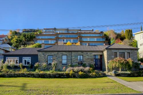 The Historic Stone House Weir Apartment, Queenstown