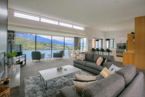 Ultimate Views Luxury, Queenstown