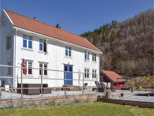 Five-Bedroom Holiday Home in Snartemo, Snartemo