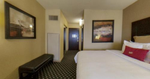 Crowne Plaza Hotel Indianapolis Airport photo 15