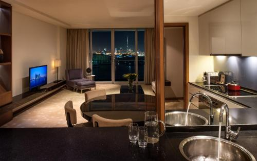 InterContinental Residence Suite Dubai Festival City photo 20
