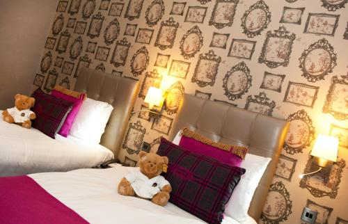 Queens Hotel Chester Contact Number
