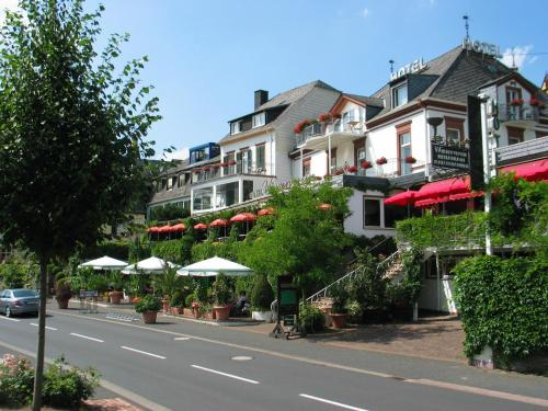 Where to stay in zeltingen rachtig 2017 budget to for Beckers hotel trier germany
