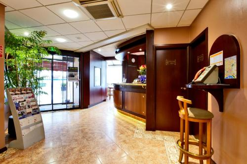 Kyriad Hotel Nevers Centre - nevers -