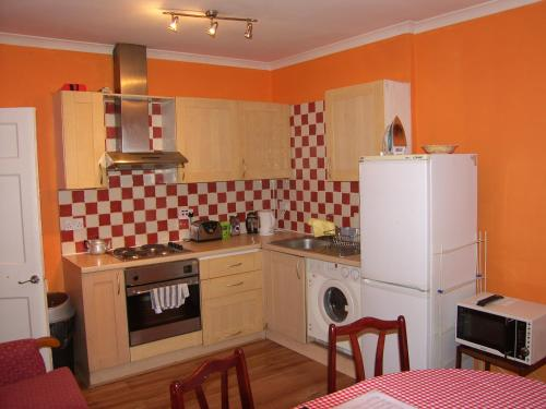 Photo of Lothian Apartments Self Catering Accommodation in Edinburgh Edinburgh