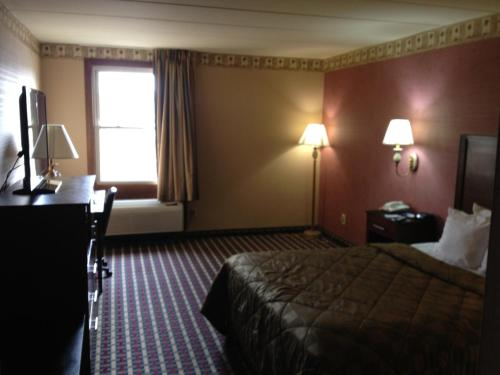 Bucks County Inn & Suites Photo