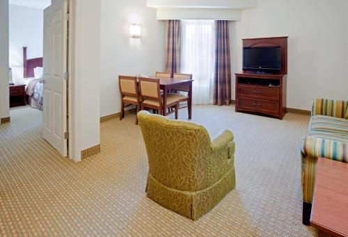 Staybridge Suites Of Durham - Chapel Hill - RTP Photo