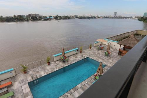 3 Bedroom Water Front, Apapa Eleko