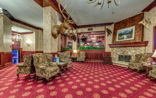 Athabasca Hotel Photo