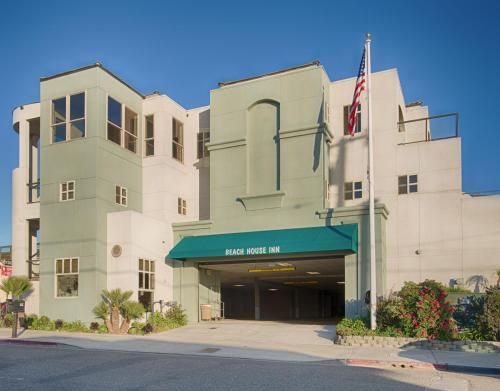 Beach House Inn & Suites Photo