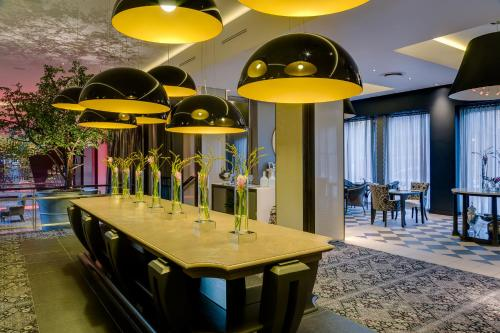 African Pride Melrose Arch Hotel Photo
