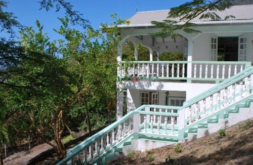 Tyrrel Bay's hide away, Carriacou