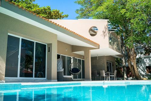 Casa Matuk 3 by Homing Bird Rental, Playa del Carmen