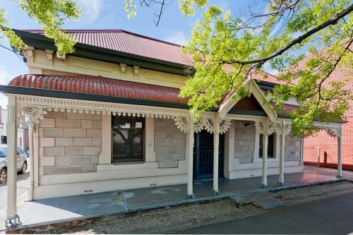 Entire Cottage in the heart of Adelaide CBD