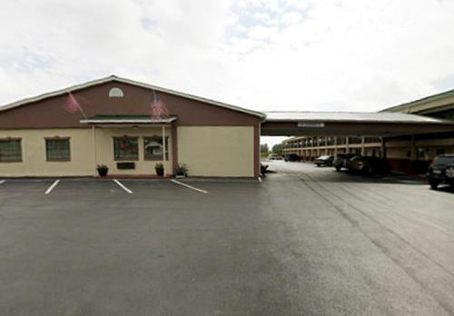 Americas Best Value Inn - Lawrenceburg Photo