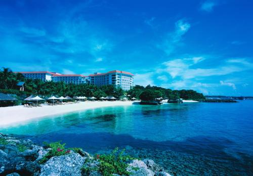 Shangri-La's Mactan Resort & Spa, Остров Мактан