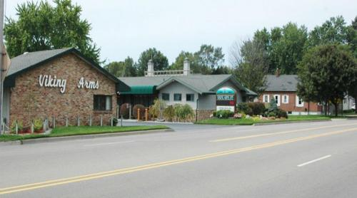 Viking Arms Inn - Ludington Photo