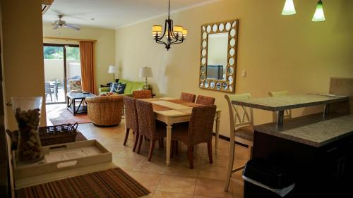 Exotic 2 Bedroom Townhouse Diamante 82, Palm Beach