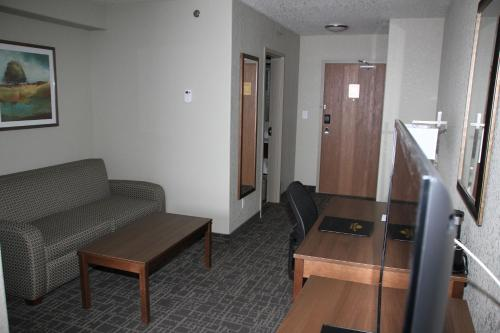 Days Inn and Suites Yorkton Photo