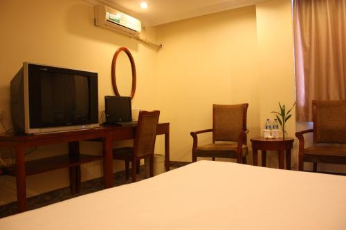 GreenTree Inn ShangHai ChangYang Road JiangPu Park Metro Station Business Hotel photo 30