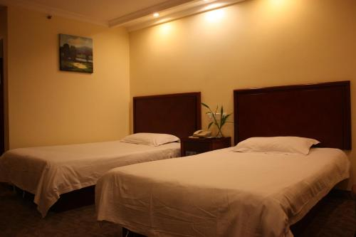 GreenTree Inn ShangHai ChangYang Road JiangPu Park Metro Station Business Hotel photo 37