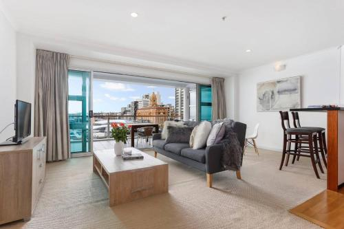 NEW Stunning Water Views in Heart of Auckland CBD, Auckland