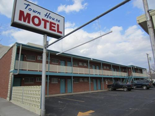 Town House Motel - Arkansas City - Arkansas City, KS 67005