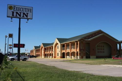 Picture of Executive Inn Brookshire/><p class=