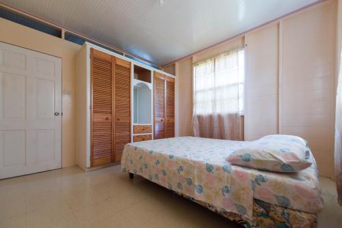 Two Bedroom House in Prospect St James, Saint James