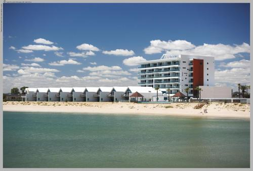 WATERS EDGE at MANDURAH   BY THE SEA - фото 0