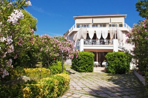 foto I Tre Leoni Bed & Breakfast (Santa Marinella)