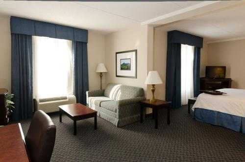Hampton Inn Mount Airy in Mount Airy