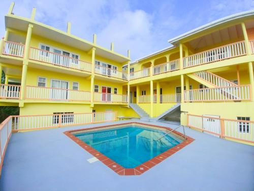 Serenity Stays-Rodney Bay Apartment by STS, Gros Islet
