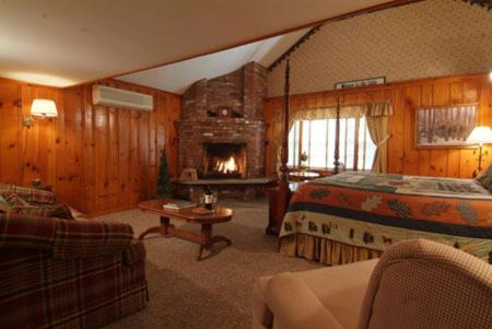Christmas Farm Inn and Spa Photo