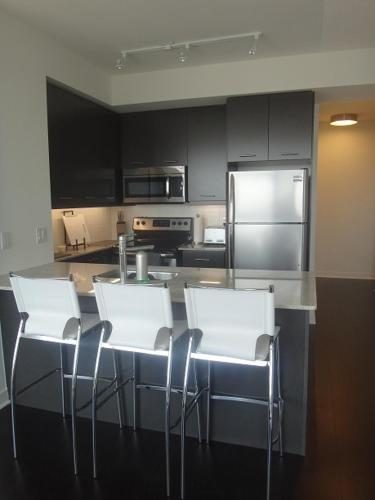 Square One Fully Furnished Suite Photo