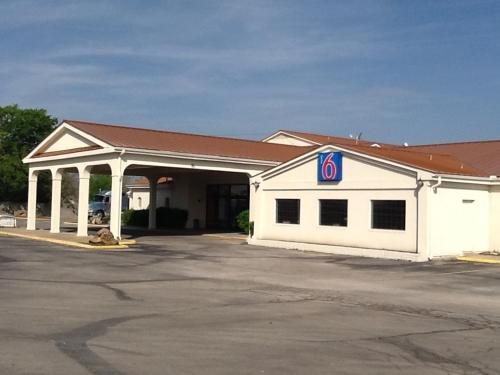Motel 6 Stephenville Photo