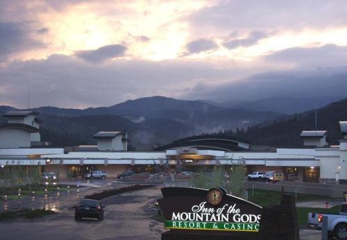 Inn of the Mountain Gods Resort and Casino Photo