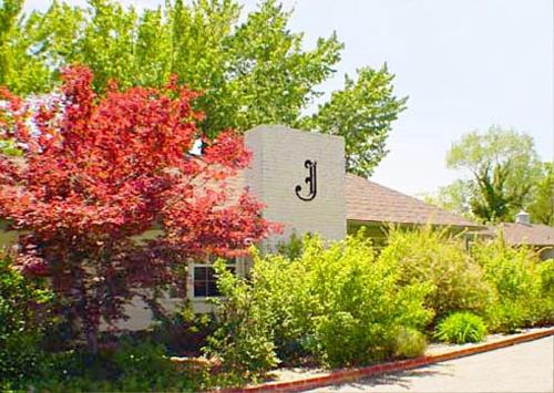 Joseph House Inn - Bishop, CA 93514