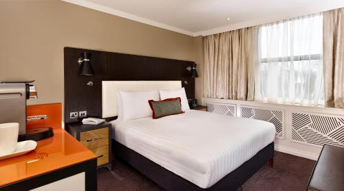 DoubleTree by Hilton London Ealing photo 4