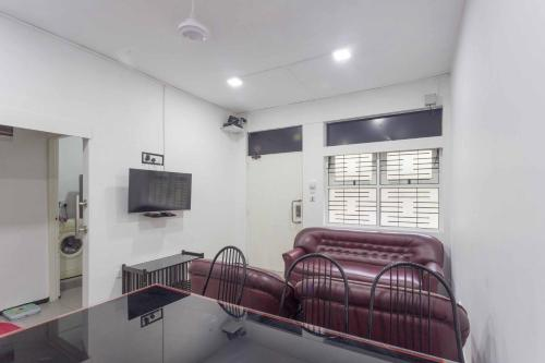 Manning 2BR Apartment in Wellawatta with AC, Colombo