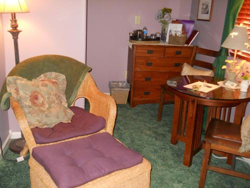 Conifer House Bed And Breakfast – Adults Only