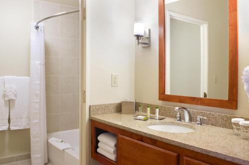 DoubleTree Suites by Hilton Mount Laurel Photo