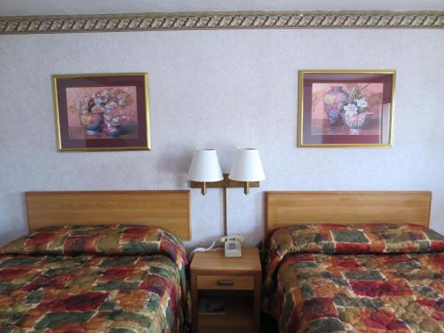 Imperial Inn Photo